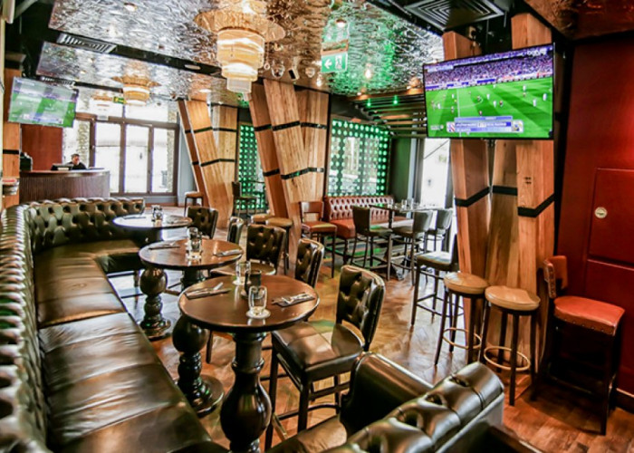 huge-size-sports-bar-with-sheesha-provision.jpg