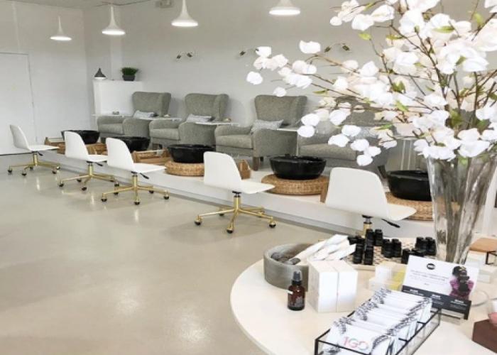 profitable-ladies-salon-for-sale-in-jlt.png