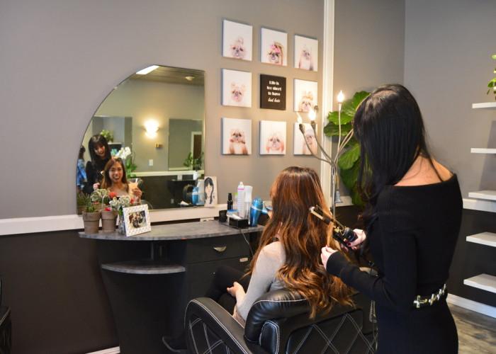 running-ladies-salon-for-sale-in-jvc.jpg